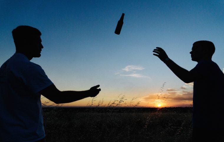 Traumjob: Dieses Praktikum bezahlt dich fürs Bier trinken