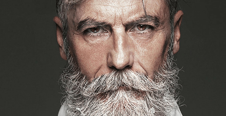 Nie zu spät: Dieser Mann erfüllt sich den Traum vom Modeln im Alter von 60 Jahren