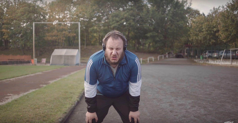 """""""Lauf, dicke Sau"""": Mit dieser Fitness-App bekommst du garantiert einen Astralkörper"""