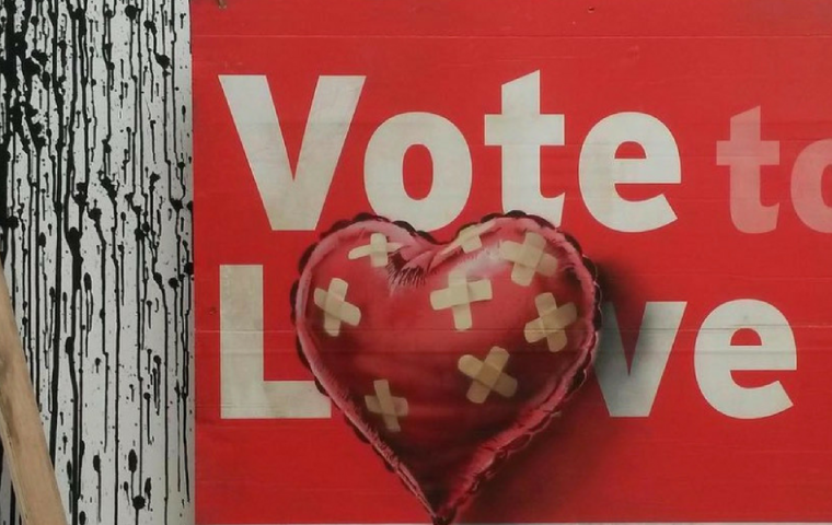 Banksy entlarvt die Doppelmoral des Kunstbetriebs