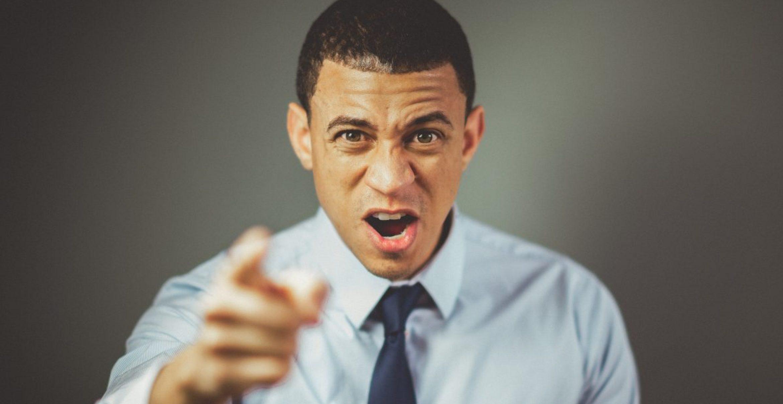 Sieben Tipps, wie du dich gegen Mobbing durch den Chef wehren kannst