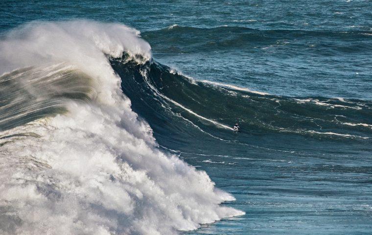 Wie sich ein Big-Wave-Surfer auf einen Weltrekord vorbereitet