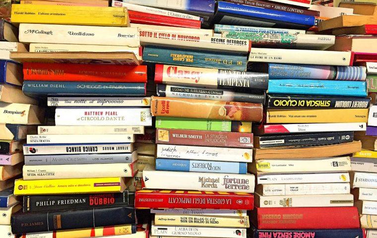 Diese Ü1000-Seiten-Bücher helfen euch durch die Quarantäne