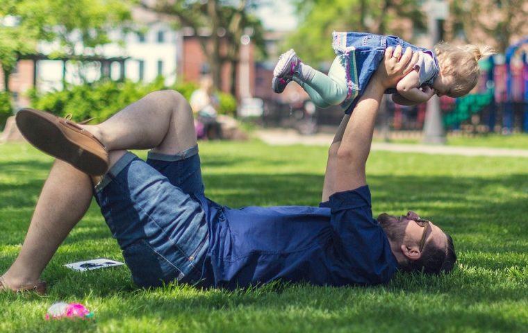 Drei gute Gründe, warum sich Väter mehr Elternzeit nehmen sollten