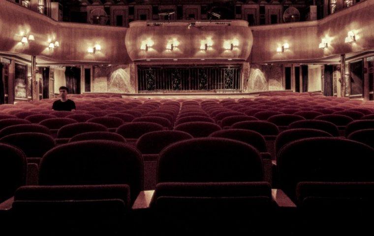 Kinos vs. Streaming: Wie die Coronakrise den Konflikt auf ein neues Level hebt