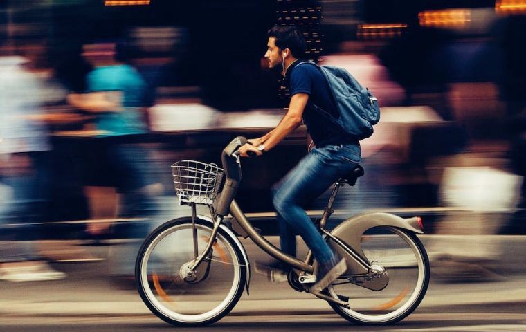 Britische Studie zeigt: Wir sollten alle lieber mit dem Rad zur Arbeit fahren