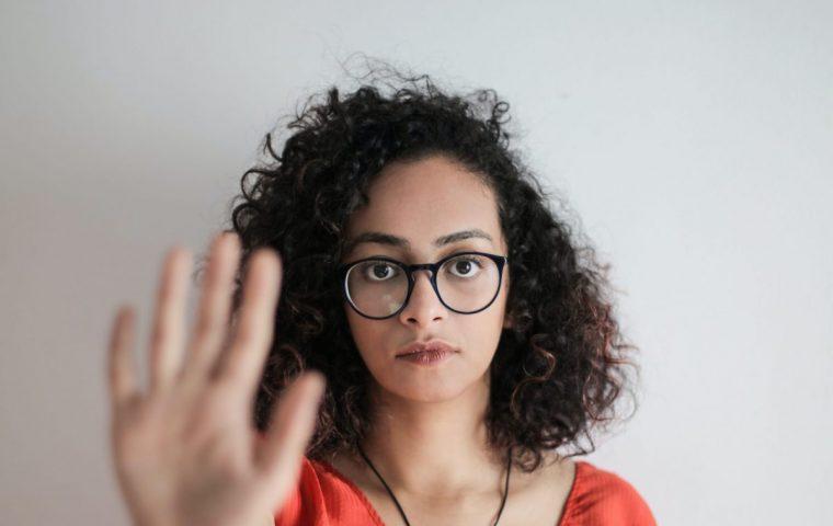 Stoppt Dickpics: So könnt ihr Täter innerhalb einer Minute anzeigen
