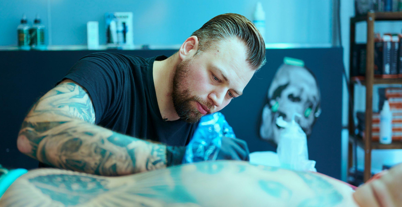 So digitalisieren sich kleine Unternehmen wie Tattoostudios in der Coronakrise
