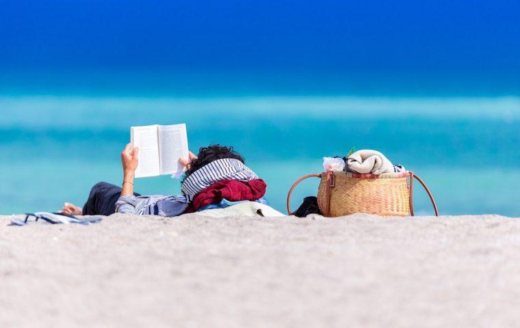Fünf Bücher, die ihr in eurem Sommerurlaub endlich lesen könnt