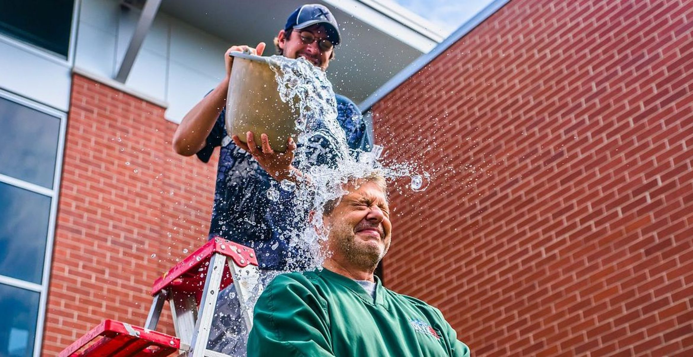 Die Ice-Bucket-Challenge hat's doch gebracht: Durchbruch bei ALS-Behandlung