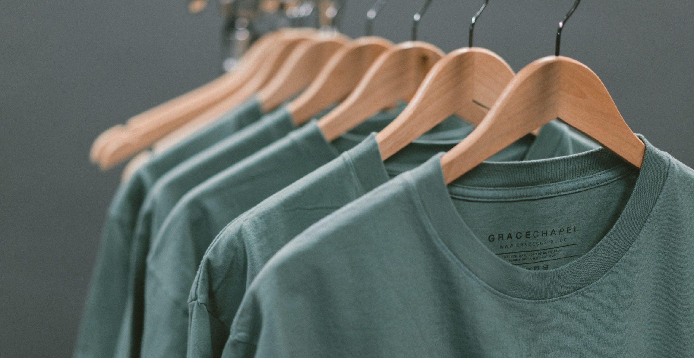 Kleidung, die mitwächst? Forscher*innen arbeiten an Materialen mit reversiblem Formgedächtnis