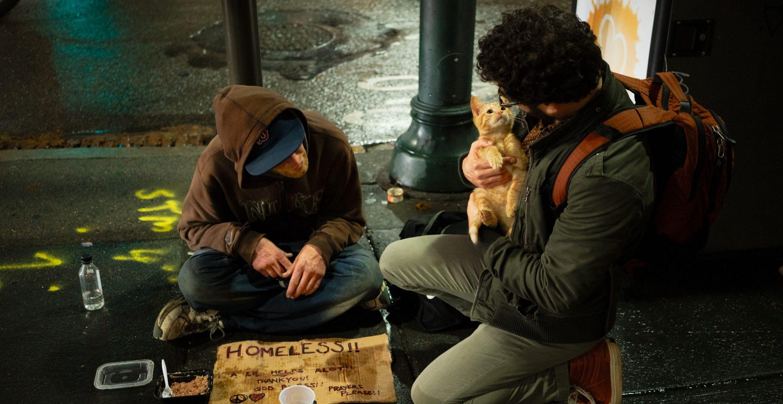 Organisation schenkt Obdachlosen 7.500 Dollar und die nutzen das für Weiterbildungen