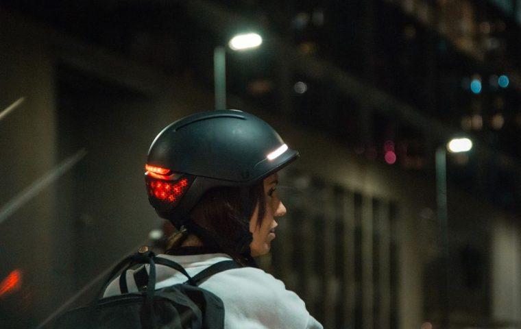 Blinker, Bremslicht und Notruf: Startup entwickelt smarten Fahrradhelm