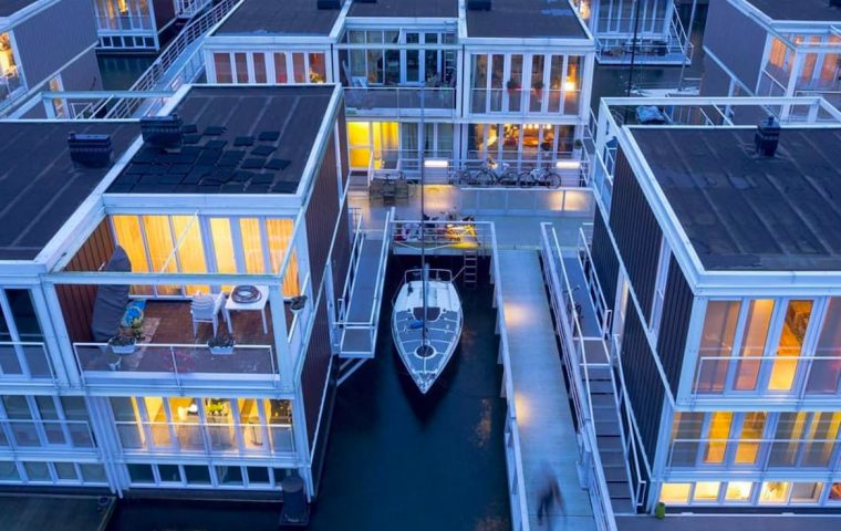 Schwimmende Häuser: So schützt sich Amsterdam vor Hochwasser