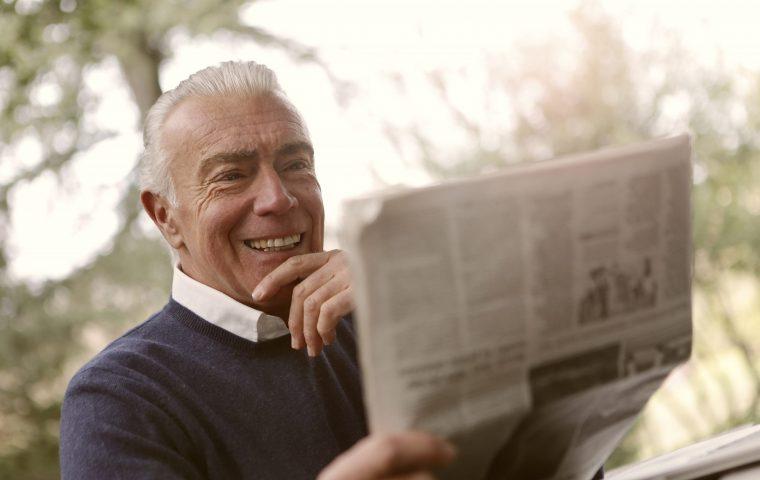 90-Jähriger schaltet Zeitungsannonce, um schnelles Internet zu bekommen