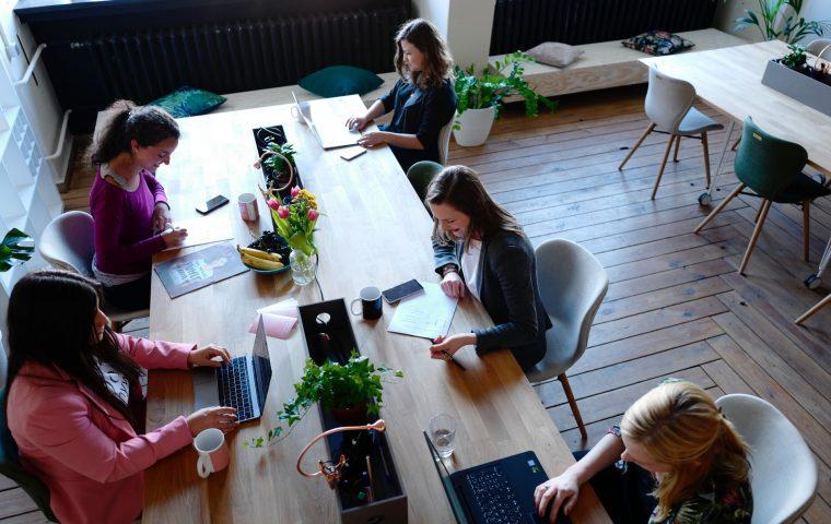 Female Leadership: Drei Schritte, um Frauen für Führungslaufbahnen zu begeistern