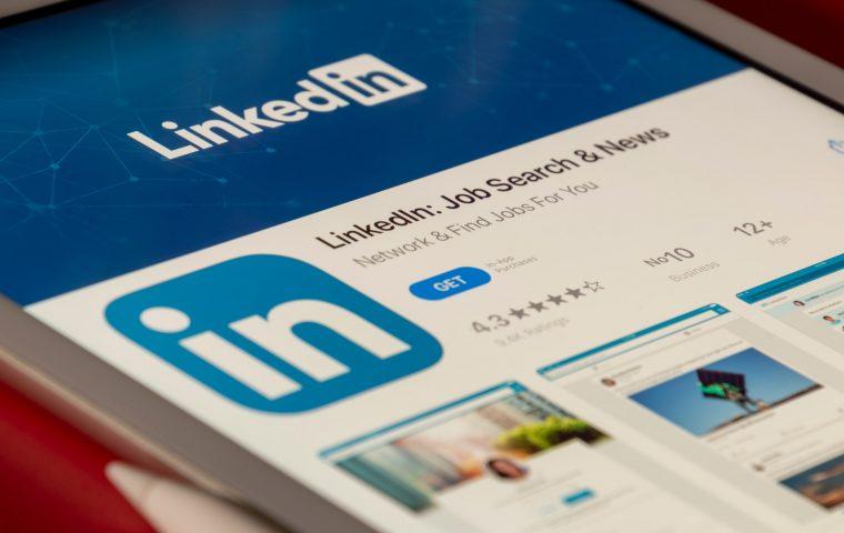 """""""Stay-at-home Parent"""": LinkedIn fügt neue Jobtitel hinzu"""