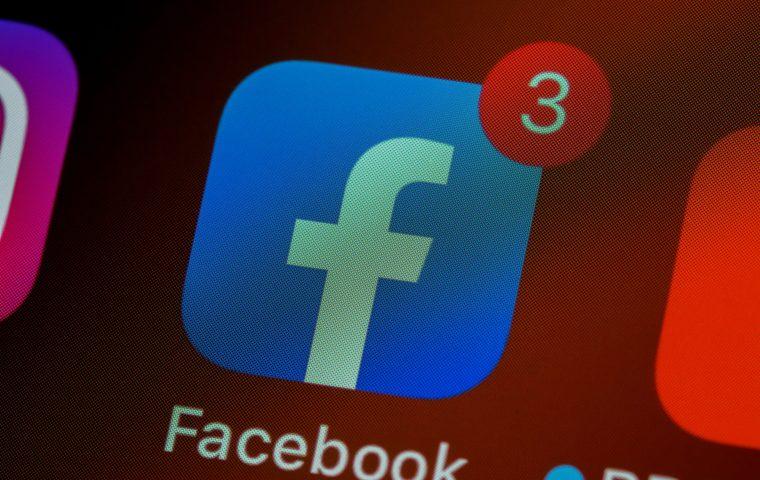 Facebook ist jetzt über eine Billion Dollar wert