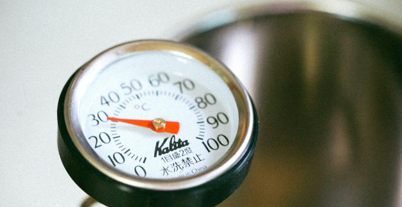 Mit diesen 9 Tipps überlebst du die Hitzewelle im Office
