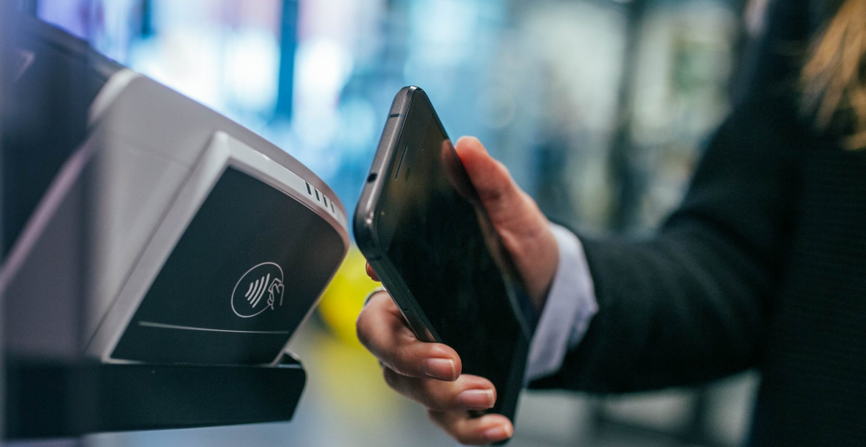 Studie zeigt: Wir haben immer weniger Bargeld bei uns
