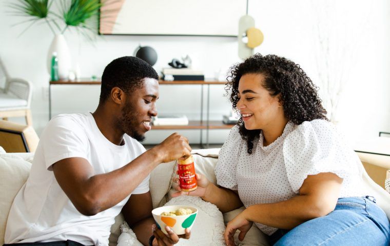 Tinder-Befragung: Drei von vier finden, dass Politik beim ersten Date den Vibe killt