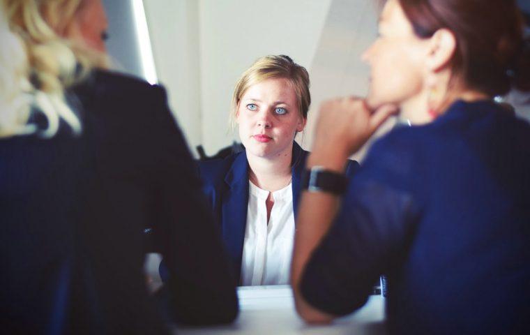 Jobinterview? Eine Personalchefin erklärt dir, wie du dich am besten darauf vorbereitest